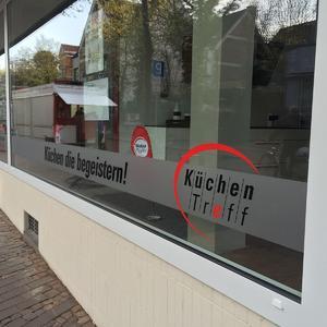 Schaufensterbeschriftung Küchen Treff